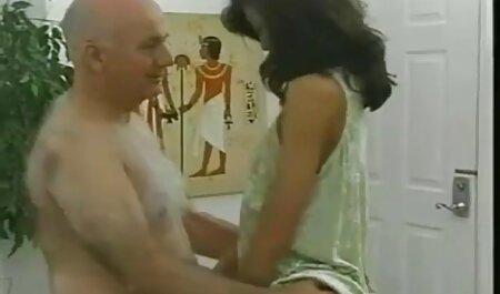 Alana Moore lutscht am Schwanz und wird gefickt fickfilme kostenlos anschauen und das Gesicht eingecremt
