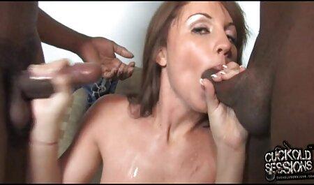 Kelly Erikson gibt einen Handjob und pornofilme gratis sehen bekommt Sperma auf ihre Titten