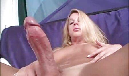 Amandina etudiante partouzee dans un pornofilme zum gratis anschauen bar
