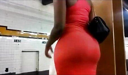 schwarze Süße, die pornos umsonst sehen Handjob gibt (große Nuss)