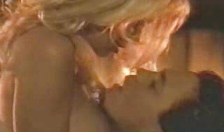 Atemberaubende Anal Jungfrau kostenlose pornos ohne anmeldung anschauen wird gefingert und in ihren Arsch gefickt
