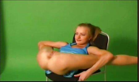 Der vollbusige pornos zum gratis anschauen Oma-Finger fickt ihre alte Muschi und ihren Arsch