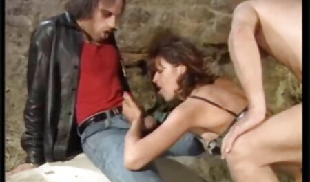 Tag gratis porno film sehen zusammen mit ein paar hängenden Bolzen